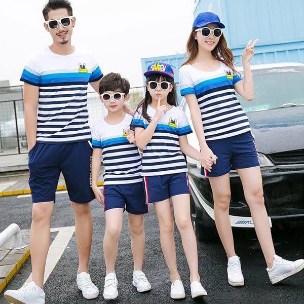Áo gia đình đi du lịch