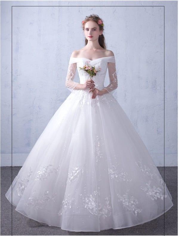 Váy cưới làm từ vải lụa