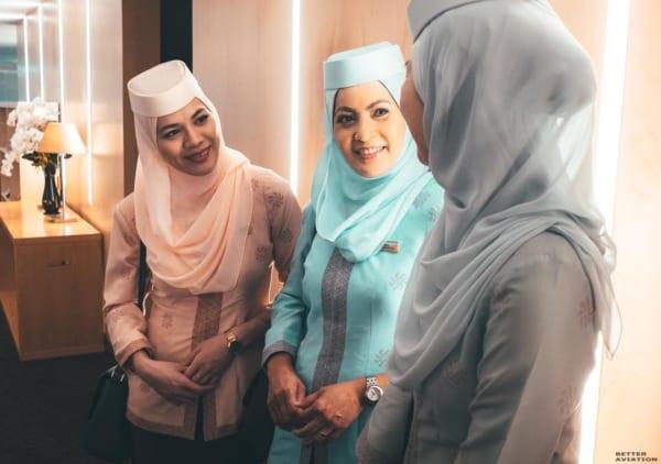 Hình ảnh nữ tiếp viên hàng không Royal Brunei Airway