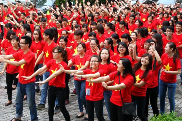 May - in và thêu áo đồng phục cờ đỏ sao vàng tại Quận Bình Thạnh