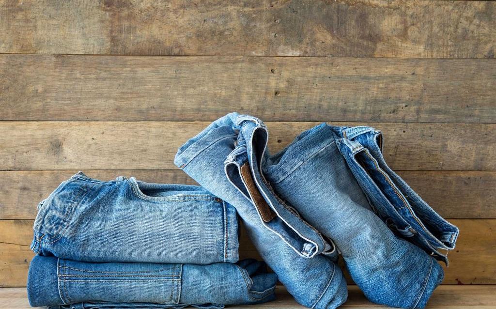 Cách giặt quần Jeans mới mua không bị ra màu