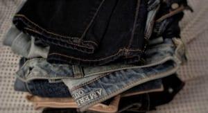 Cách làm quần Jeans không bị phải màu